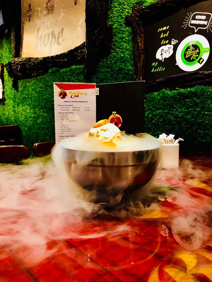 BunBurry Club Islamabad - Nitrogen Ice cream- Review Monkey