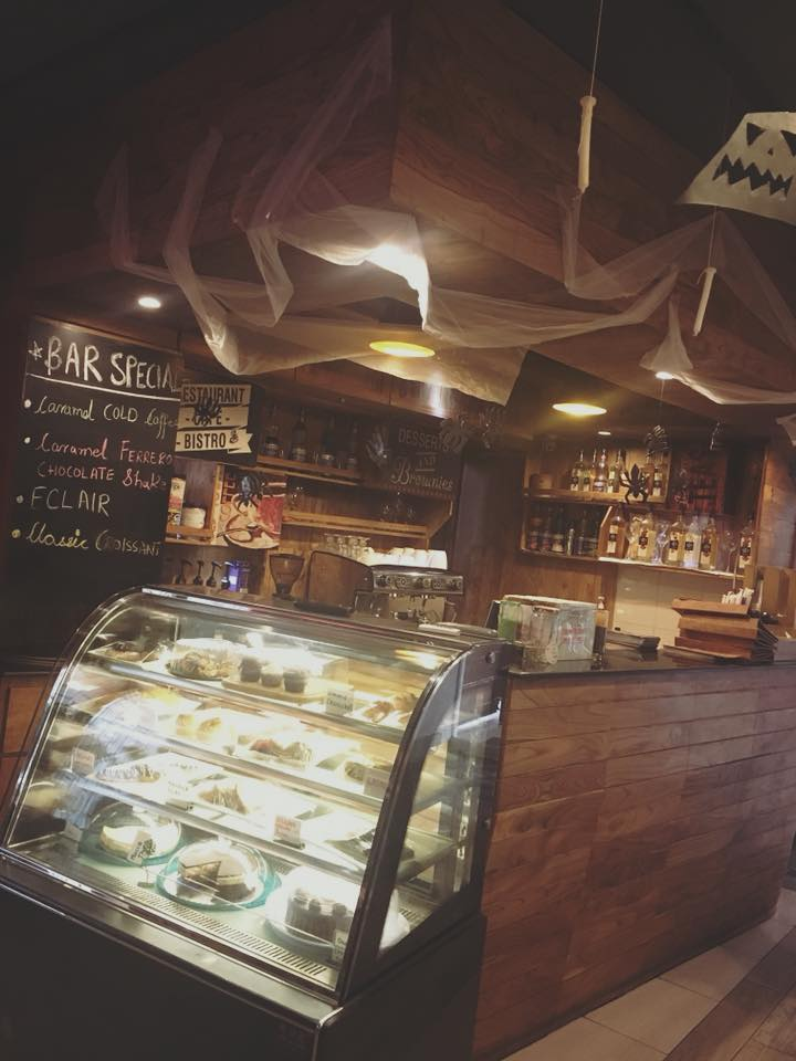 """Detailed review on whimsical """"Old town coffee & cafe"""" 1 , Rawalpindi"""