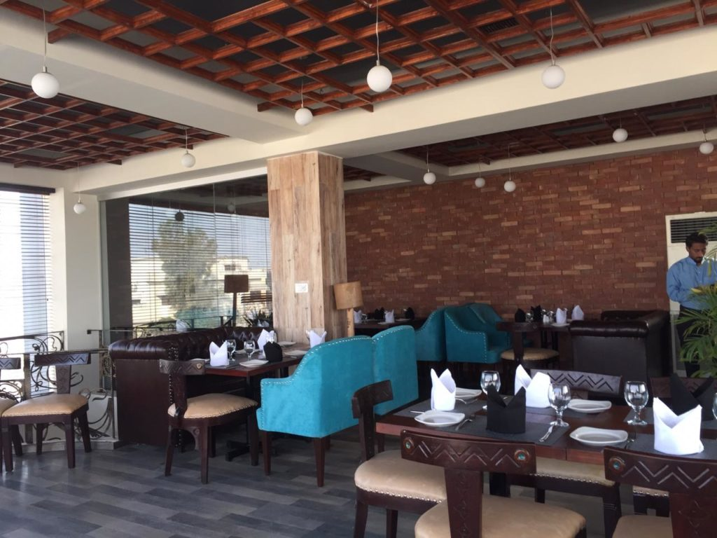 "Detailed review on the amazing ""Houston steak house"" 