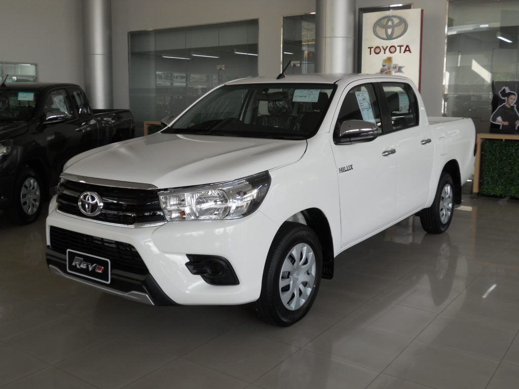 Unusual 4x4 Toyota Hilux revo Review, Price in Pakistan, features